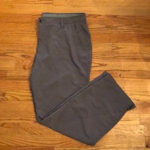 {Under Armour} Grey Activewear Pant size 42 x 32